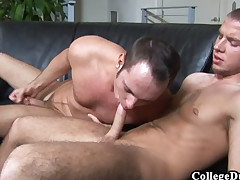 College Dudes - Devin Adams fucks Kenny Coors